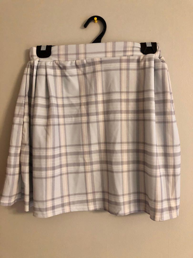 Boohoo plaid mint skirt