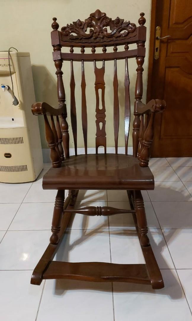 Kursi goyang kayu jati jepara asli