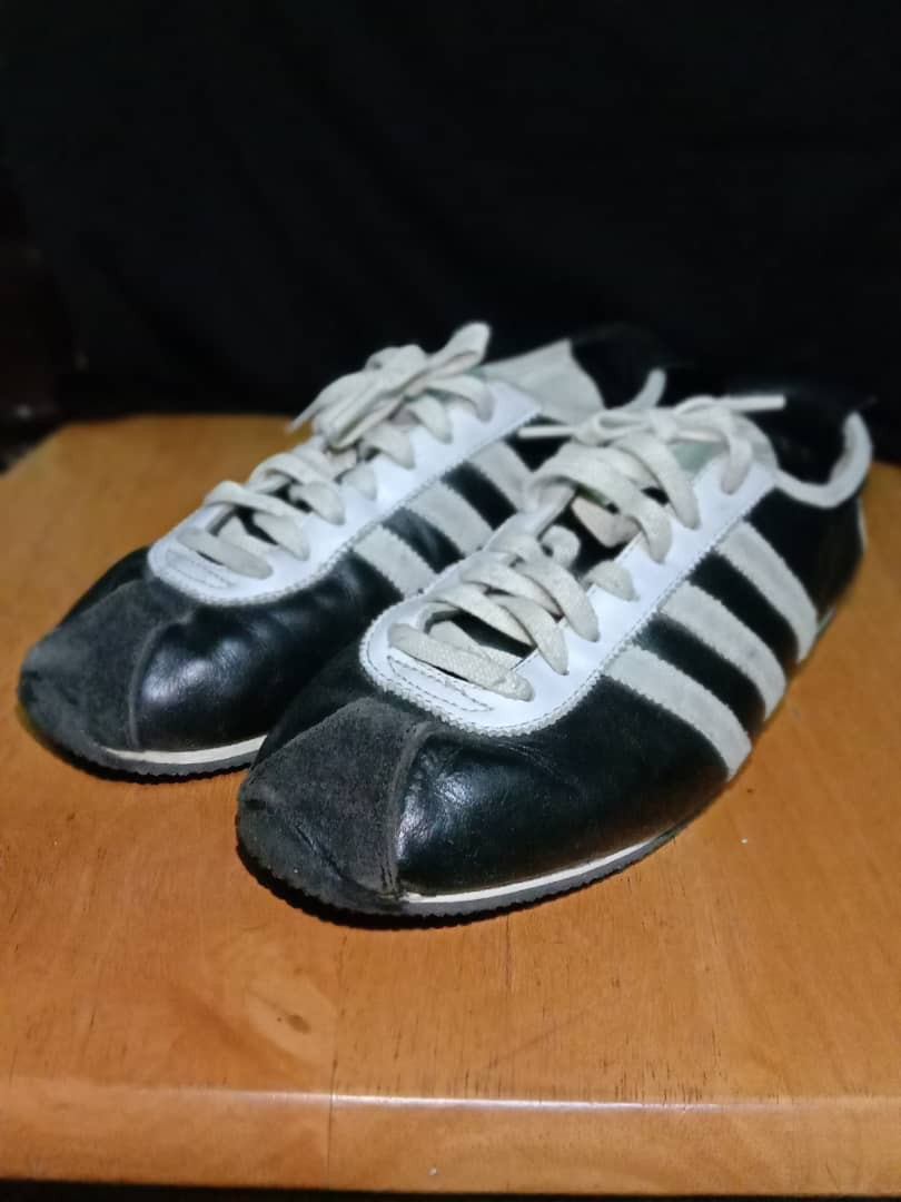 Pegajoso trolebús Destierro  Adidas special 62, Everything Else, Others on Carousell