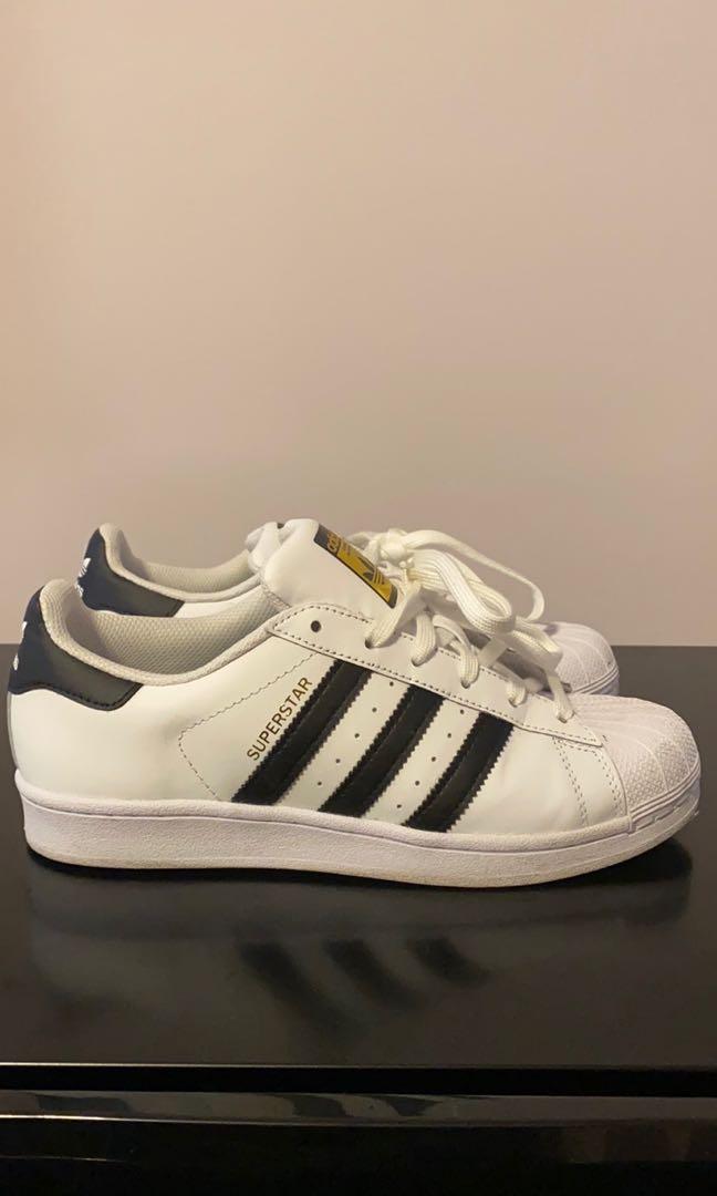 Adidas Superstars size 7.5