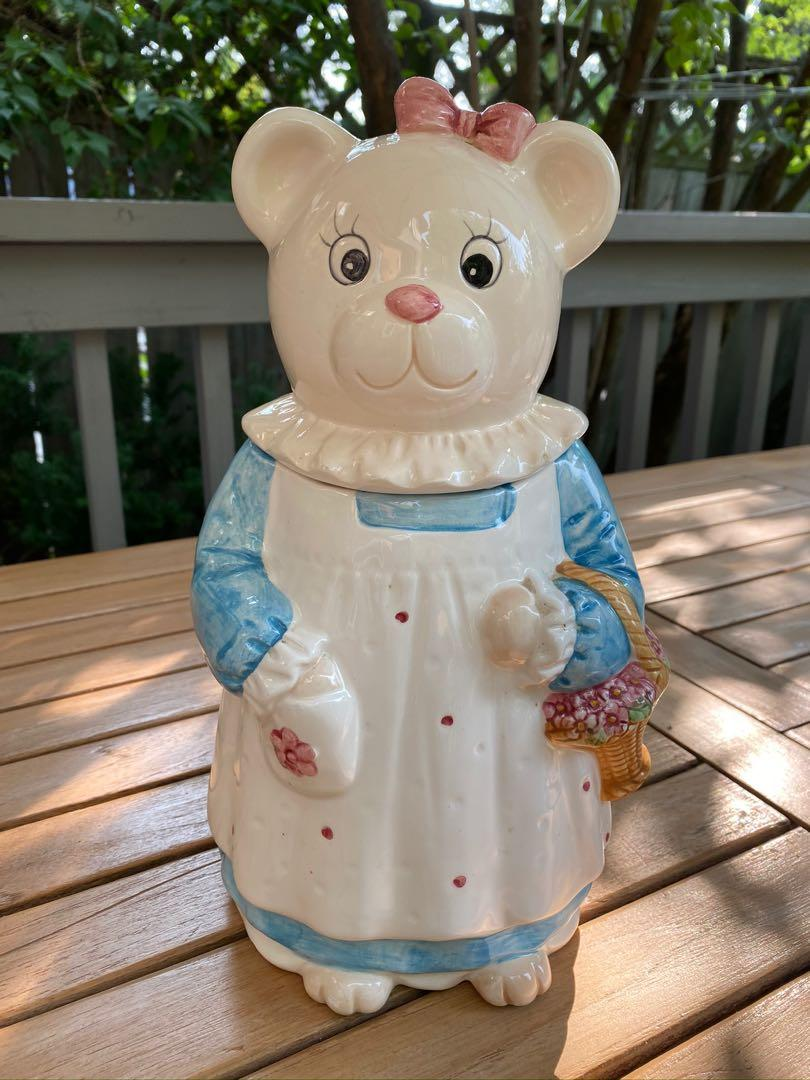 Collectible Vintage Lady Teddy Bear cookie jar in excellent condition from the Antique Market in Boston