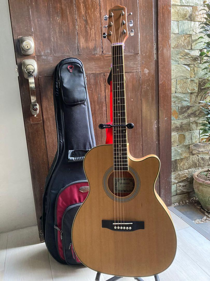 Original Fernando Acoustic Guitar With Built In Pick Ups With Bag Music Media Music Instruments On Carousell