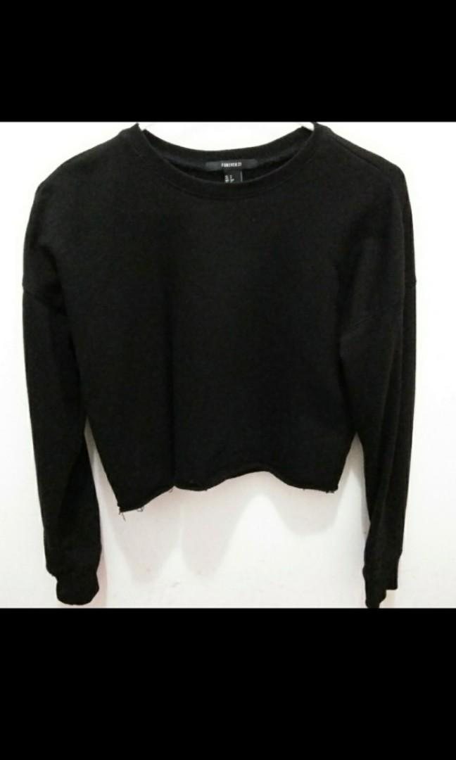 Forever 21 black cropped sweater