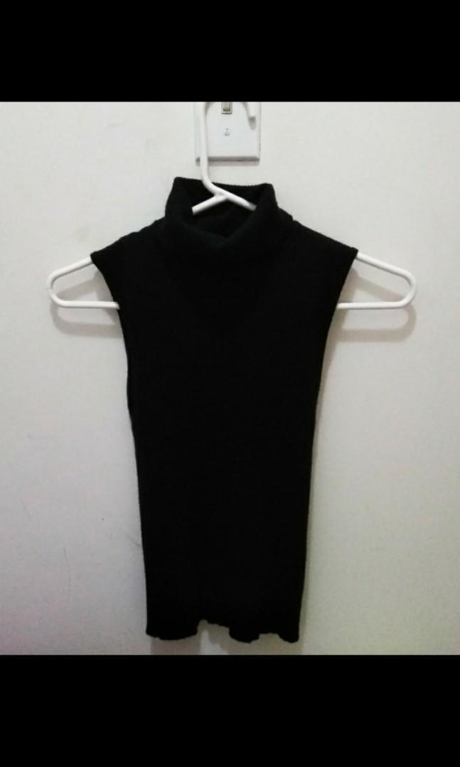 Forever 21 black sleeveless turtleneck xs