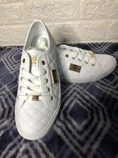guess shoes   Sneakers   Carousell