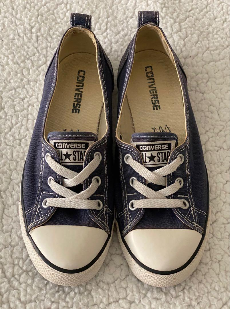LIKE NEW WMNS SIZE 8 CONVERSE NAVY BALLET LACE SLIP & 2 BRAND NEW BLACK NO SHOW SOCKS