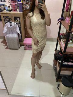 Simple Brokat Dress