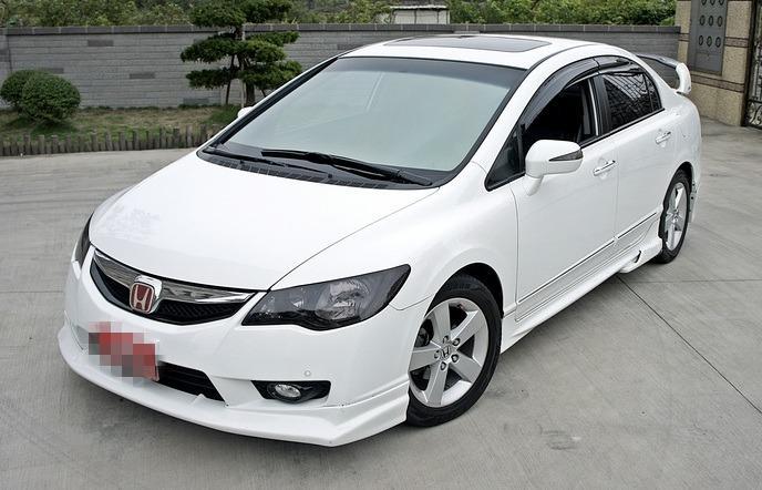 2012年 [Honda k12] 白 1.8cc