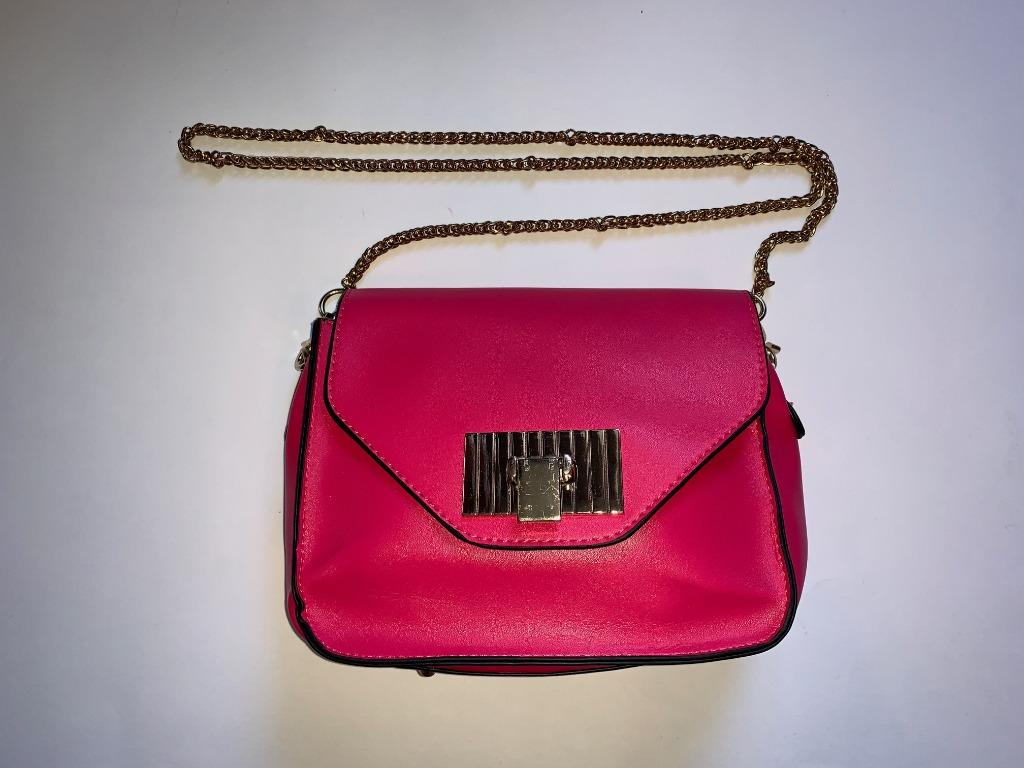 Crossbody Chained Bag