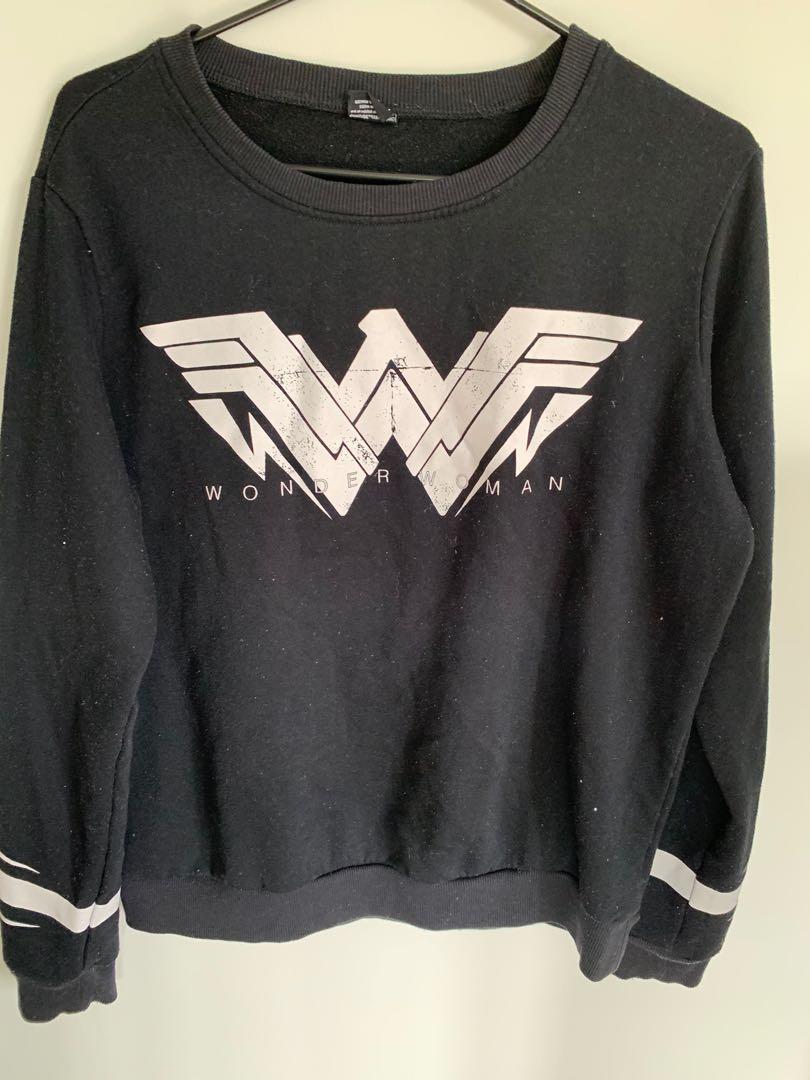 M sized Wonderwoman Long-sleeve