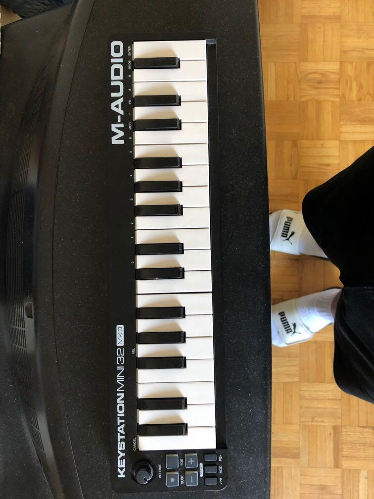M-Audio Keystation Mini 32 (MK3) ULTRA PORTABLE MINI USB MIDI KEYBOARD