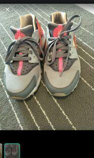 Nike 桃粉武士鞋