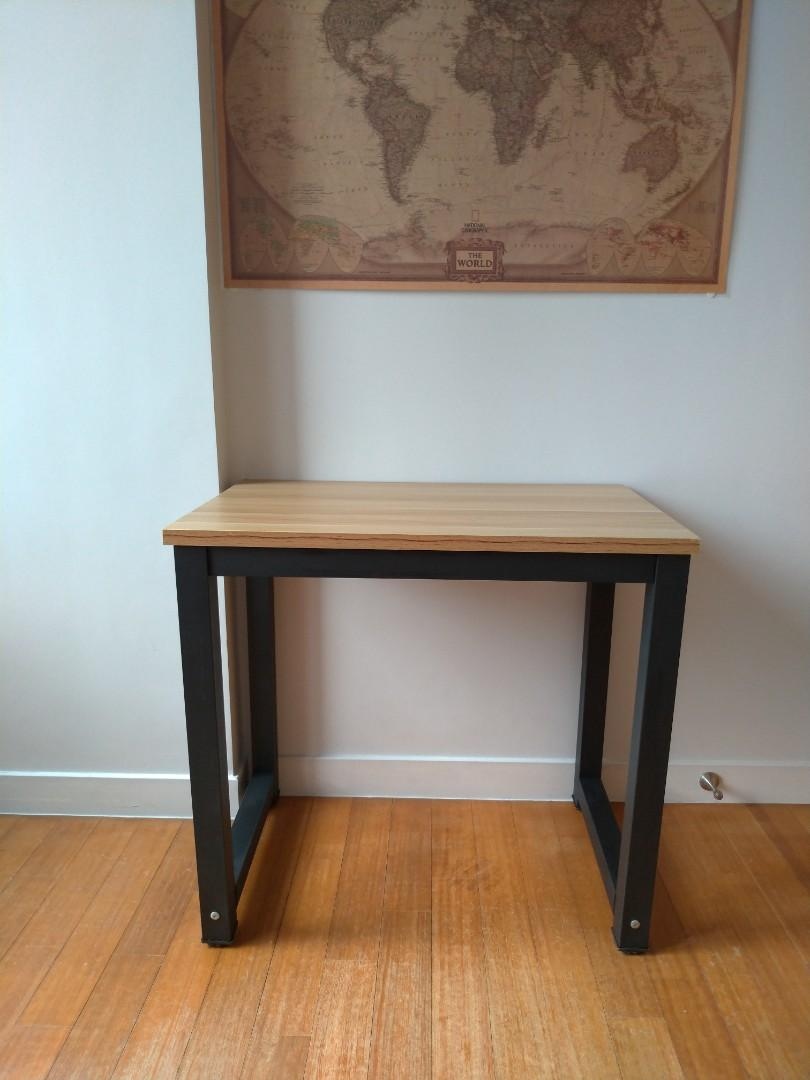 Small Desk 80cm X 50cm Furniture Tables Chairs On Carousell