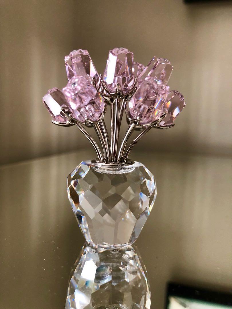 Swarovski Crystal. A dozen pink Roses in vase.