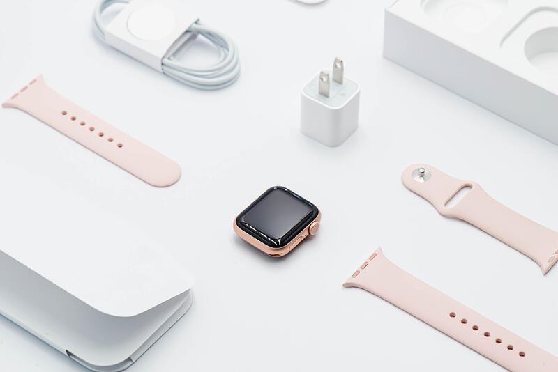 拆封福利品 2020 apple watch S5 40MM GPS 粉沙色 玫瑰金 A2092