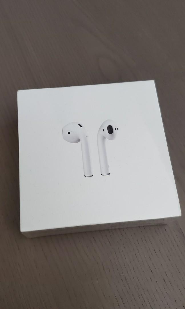BNIB APPLE AIRPODS W/ CHARGING CASE