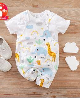 BNWT Baby Casual Solid Top and Animal Giraffe Suspender Pants Set