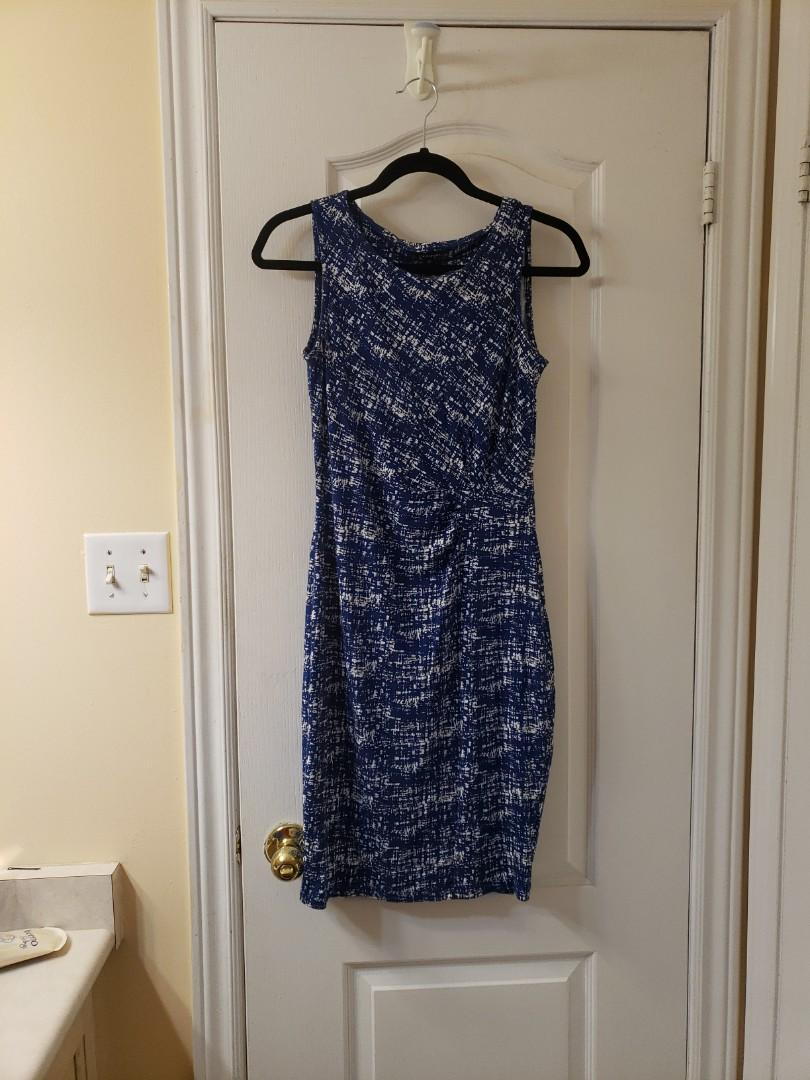 Jersey dress with cinched waisy