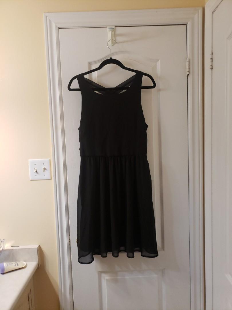 Little black dress with back criss cross
