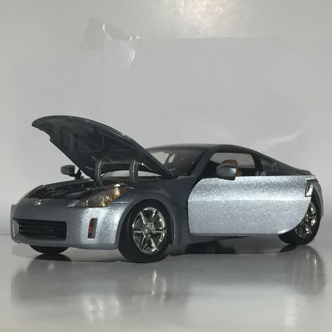 Nissan 350Z Diecast 1:18 Scale Hot Wheels Toy Model Car