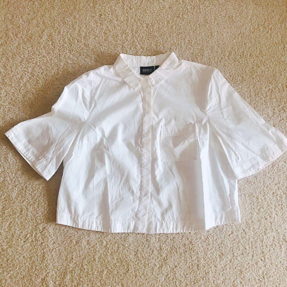 ONLY Cropped shirt