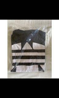 Adidas 大Logo短袖