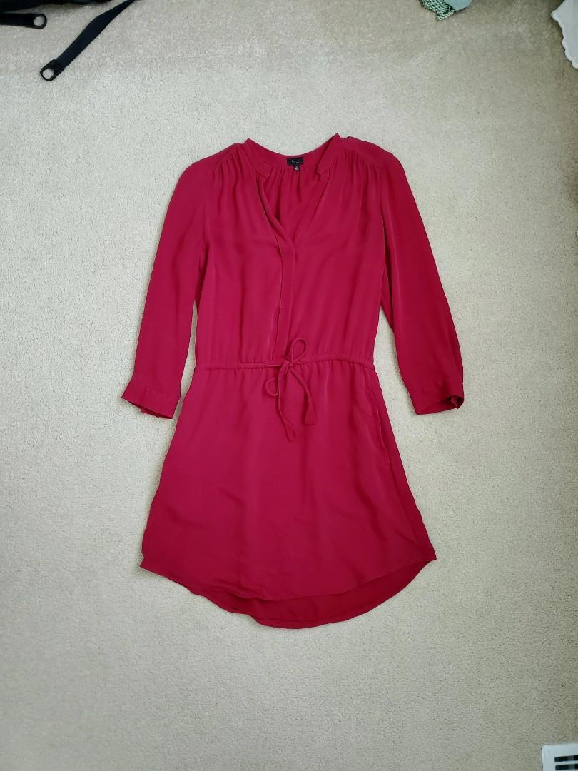 Aritzia Babaton 100% silk Bennett dress XS
