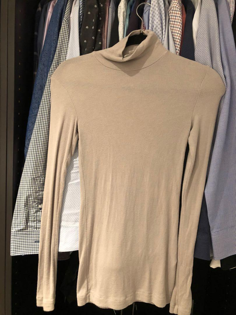 Aritzia Wilfred only turtleneck ashen colour size XSMALL