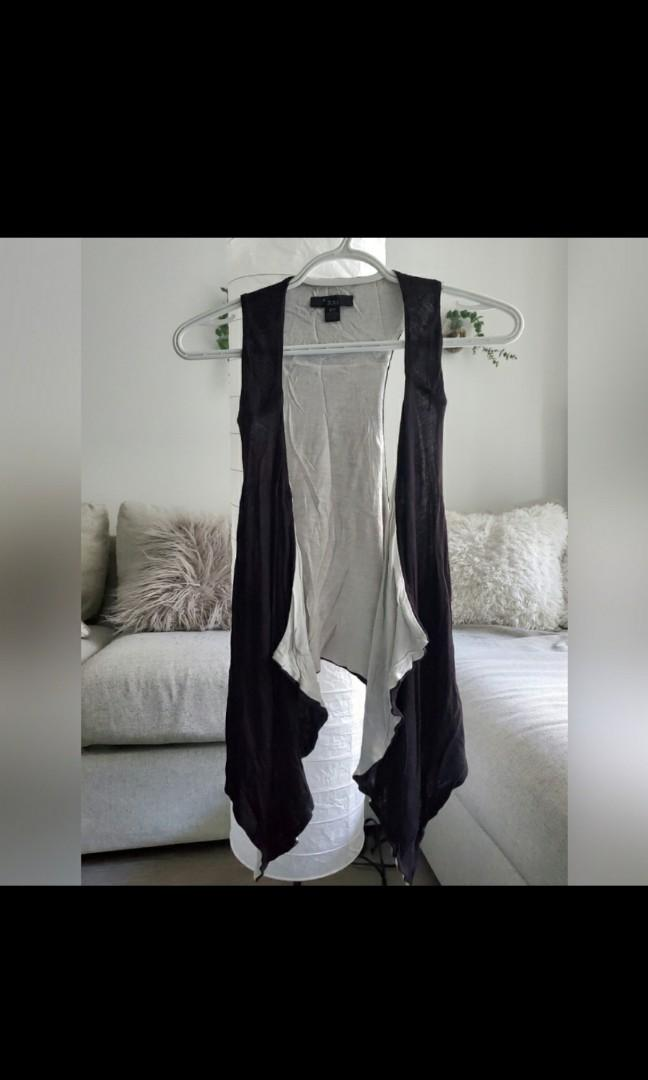 Black & White cardigan - high low style