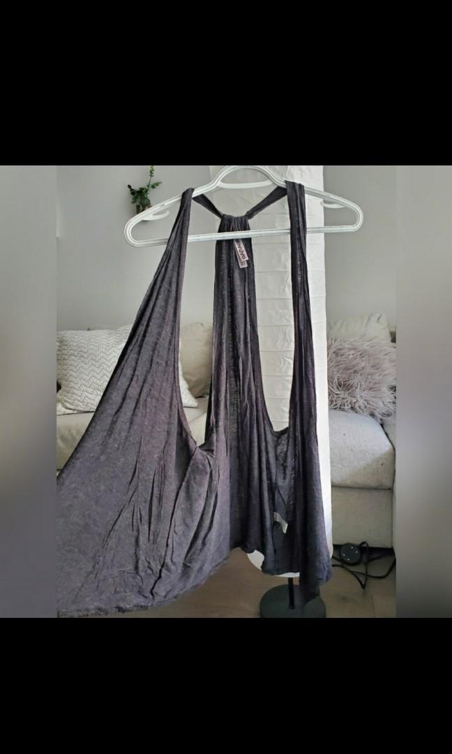 Dark grey cardigan with high low style