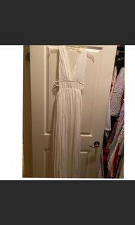 Forever 21 low cut maxi dress size small BNWT