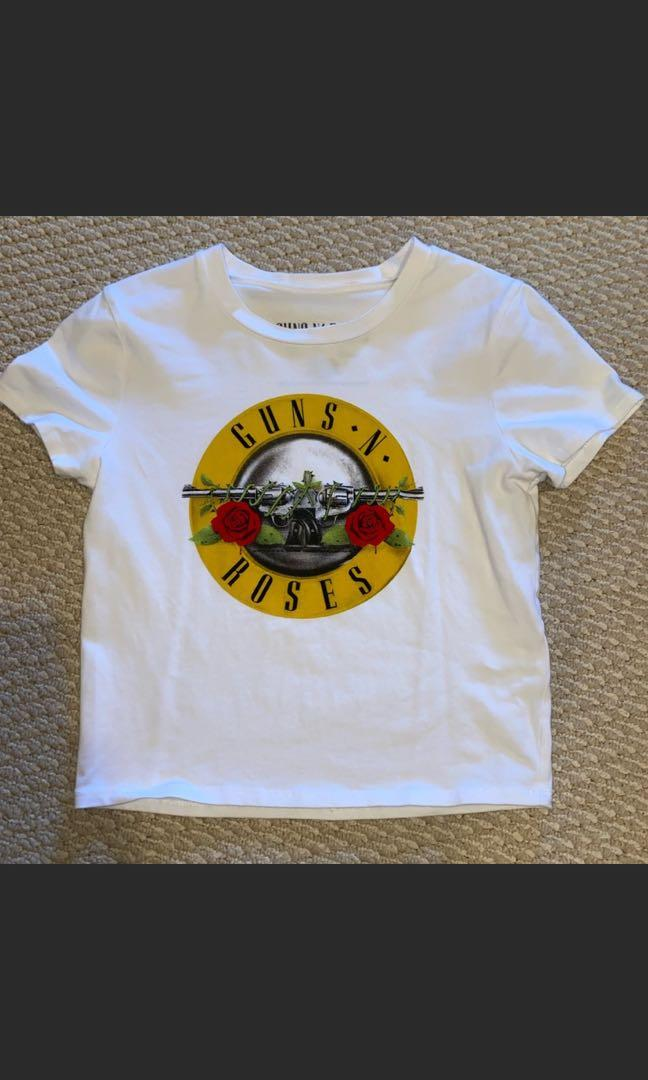 Guns & Roses cropped t size small