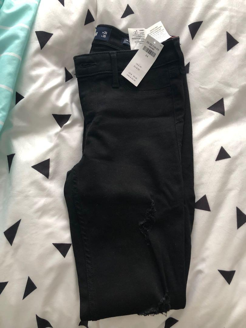 Hollister Ripped Skinny Jeans. BNWT