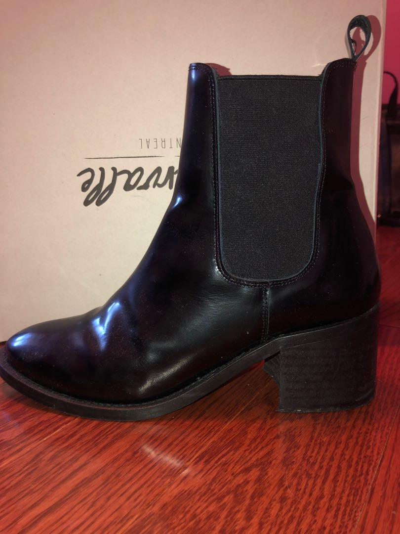 L' intervalle Chelsea boots size 9