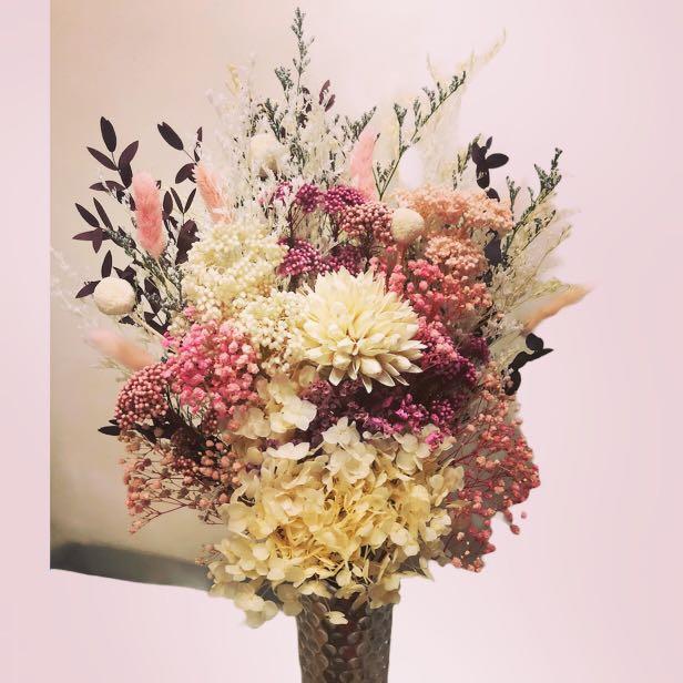 Lush Dried Flower Arrangement In Tall Vases Gardening Flowers Plants On Carousell