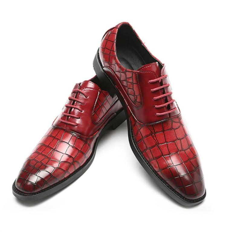 Red Crocodile-Pattern PU Faux Leather Shoes (Size 8)