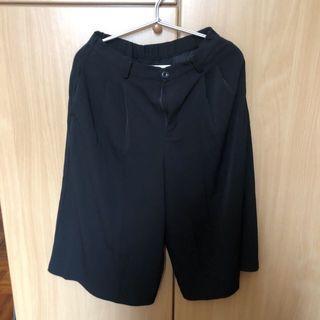 Uniqlo 黑色寬褲