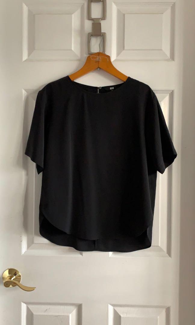 Uniqlo black silk like top