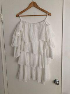 White off the shoulder ruffle dress, size S