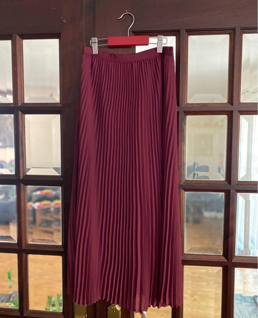 Aritzia Babaton Jude Skirt Pleated Skirt