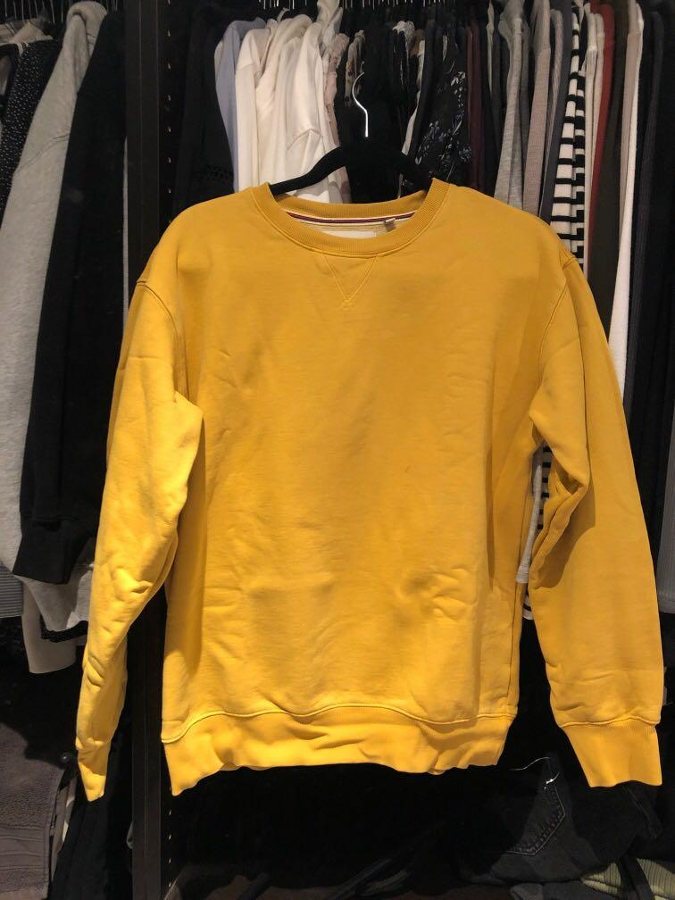 Aritzia TNA cozyaf perfect crewneck sweatshirt mustard YELLOW size MEDIUM