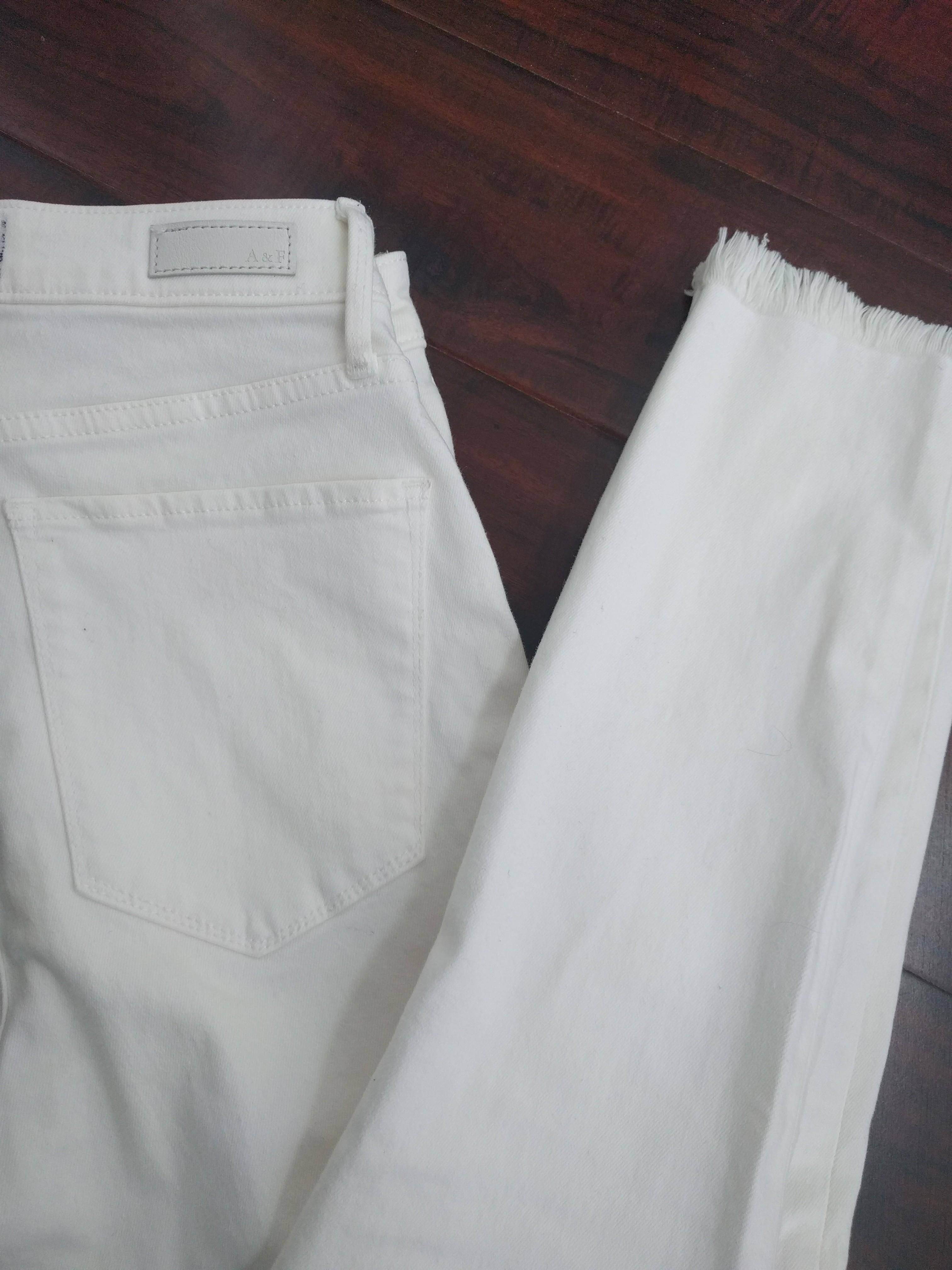 Brand New White Jeans (jegging style) 26 short