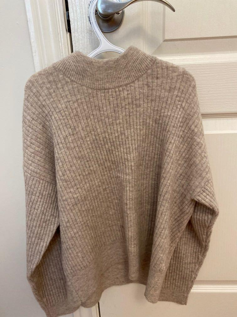 Club Monaco beige knit