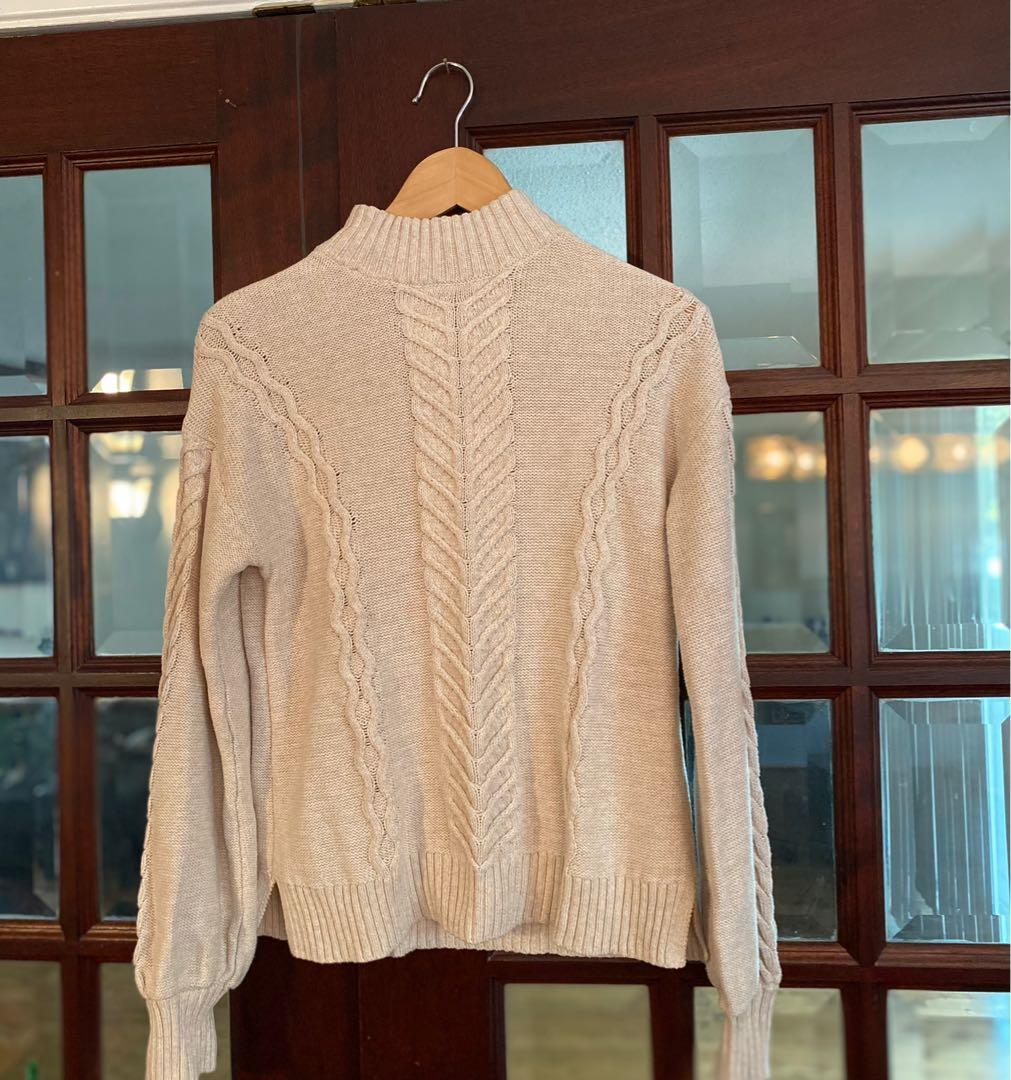 GAP Cream Oatmeal Cable-knit Sweater