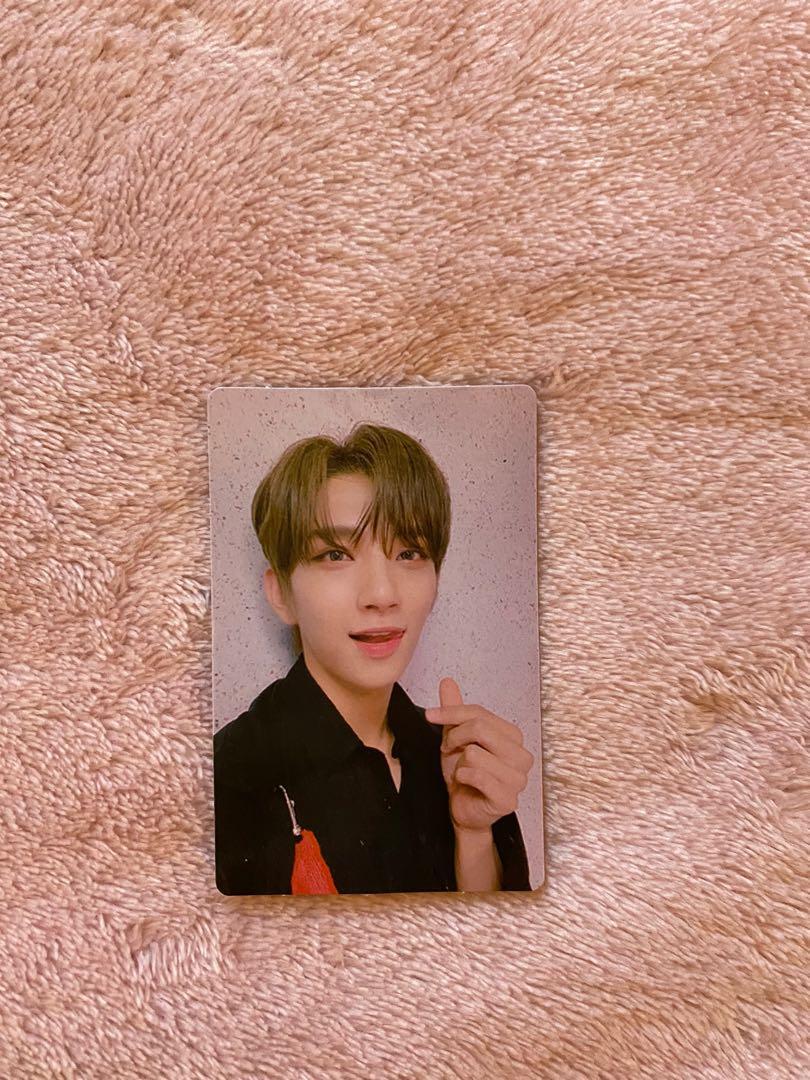 Official Seventeen Joshua Photo card