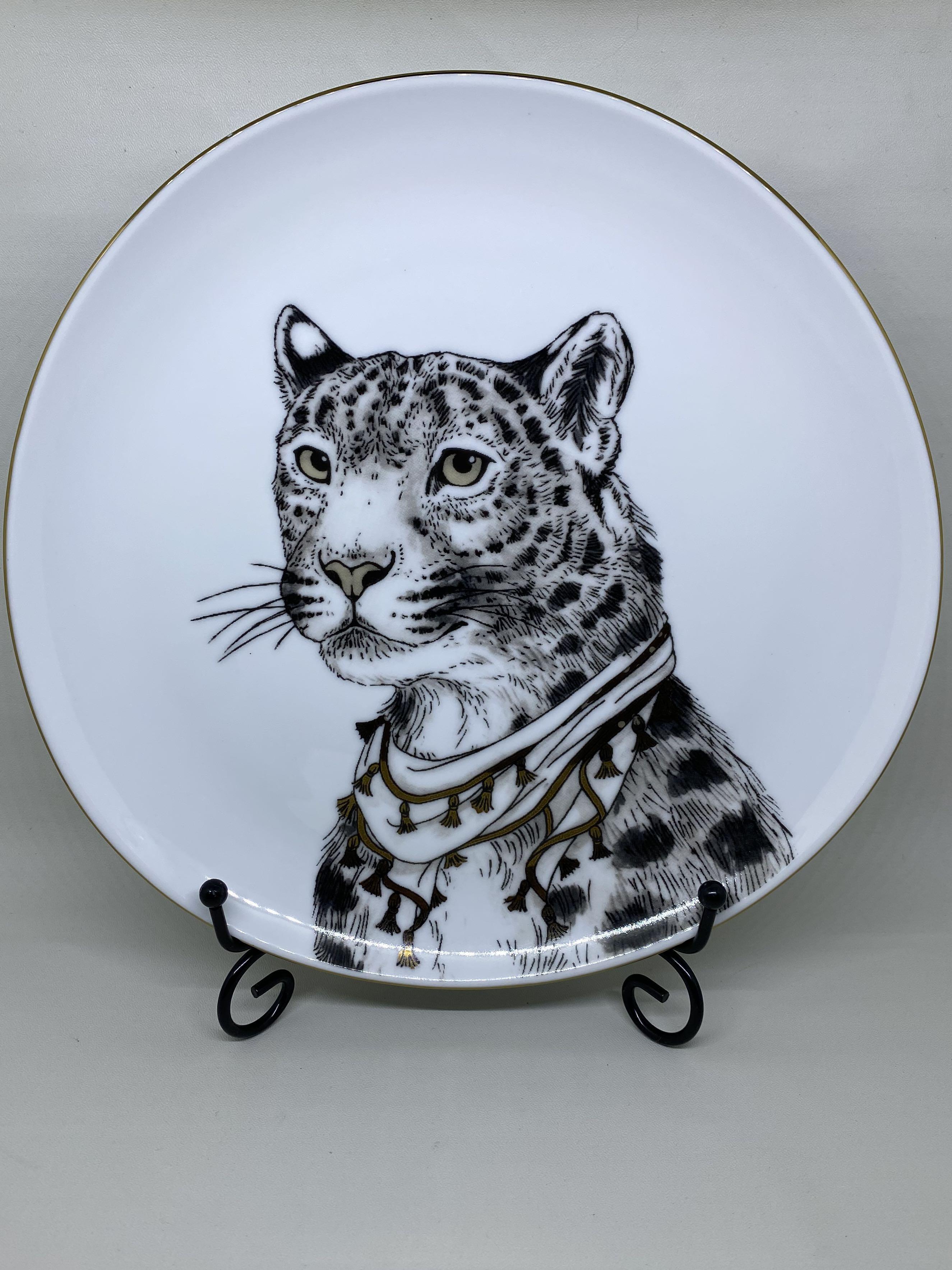Piring Hias Snow Leopard