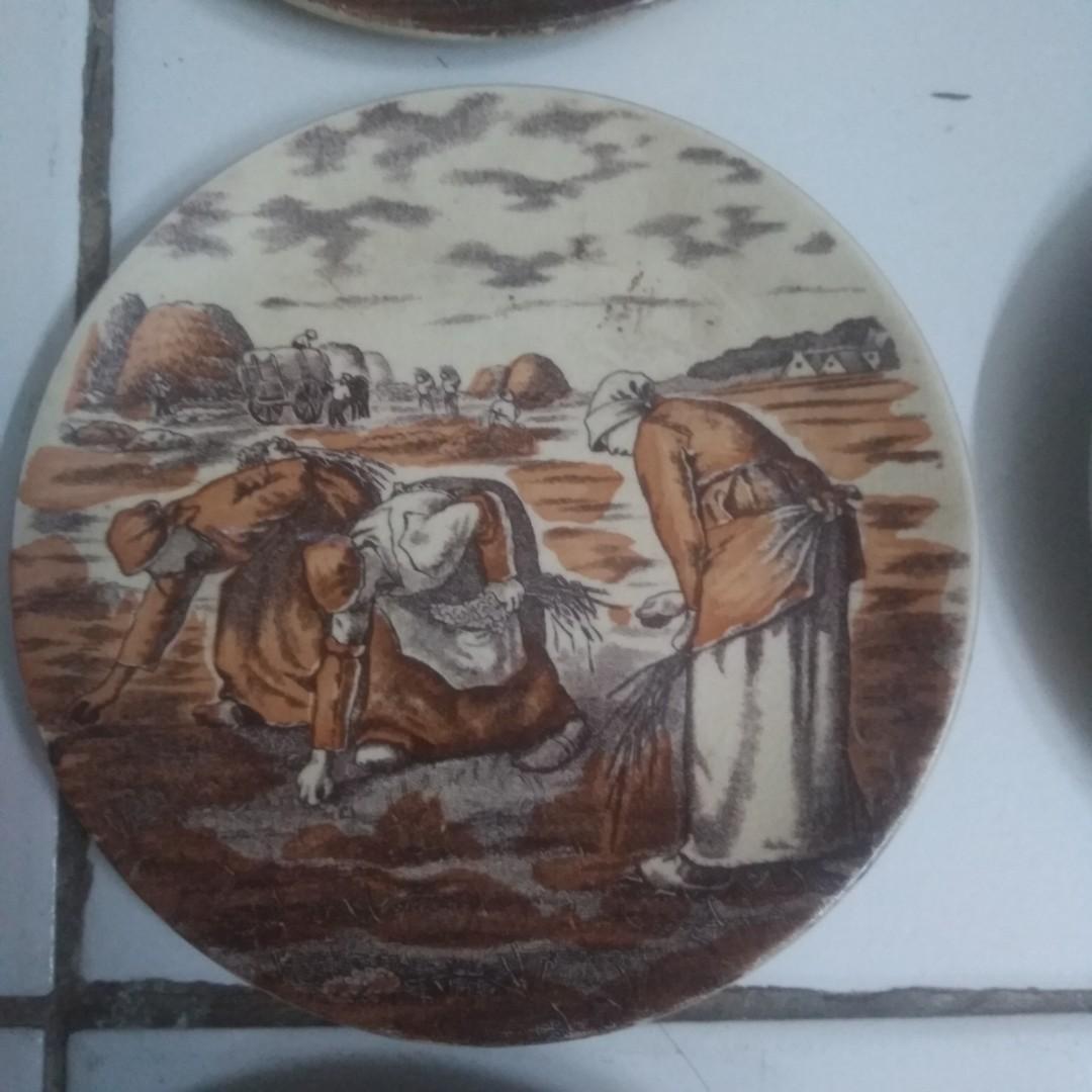 Piring tatakan antik