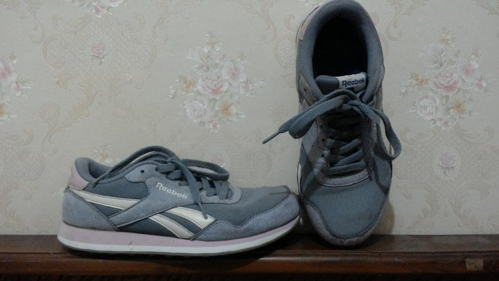 Sepatu Redbook ukuran 38