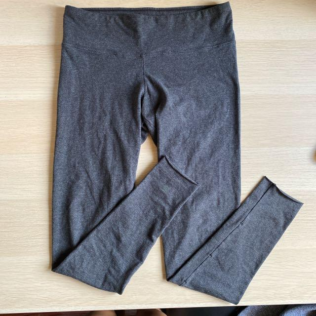 TNA Equator Leggings in Dark Grey