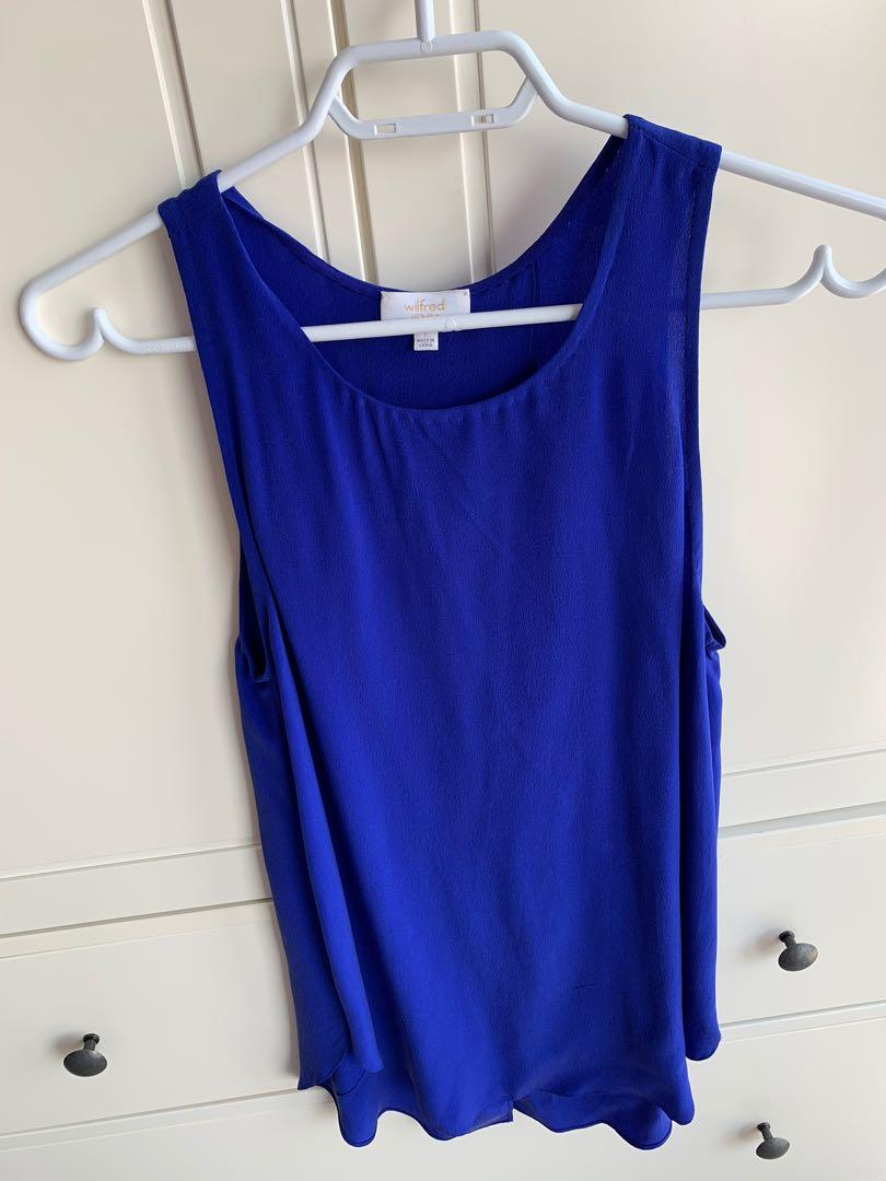 Wilfred (Aritzia) 100% Silk Top Size Small Like New